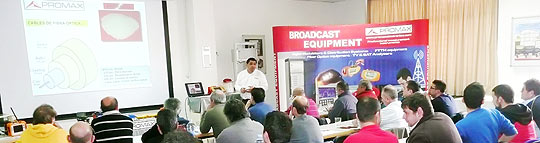 A moment of the training course in fibre optics organized by PROMAX